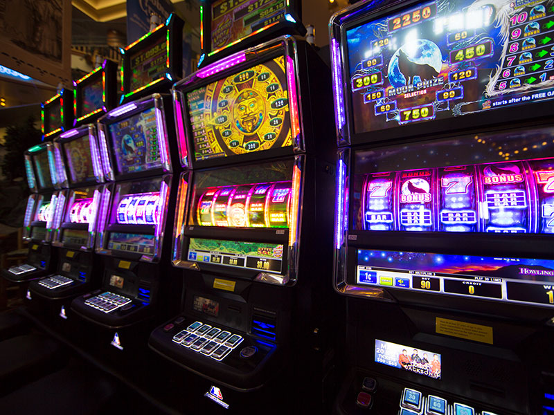 Why Are Online Slots Safer Option to Play?